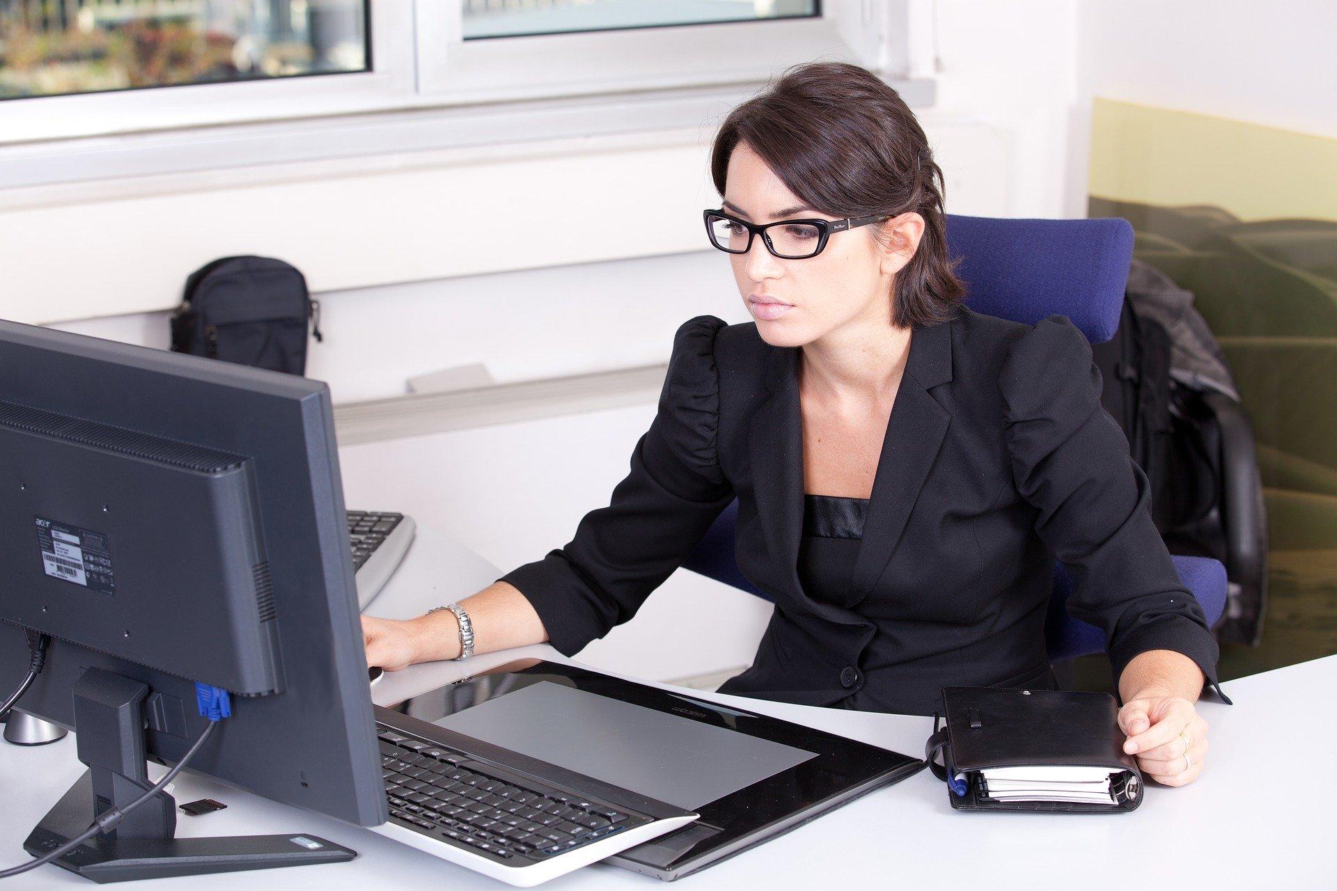 secretary-2199013_1920